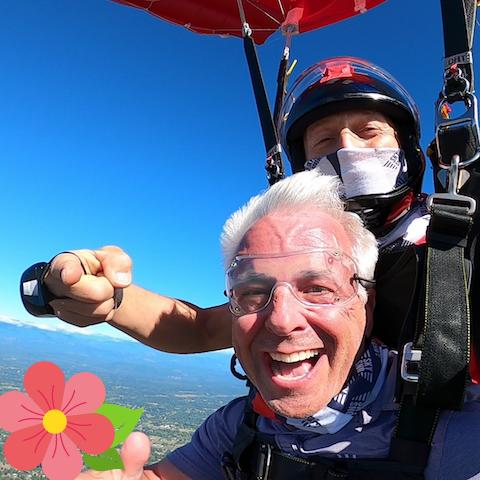 Flyin' Solo – 1 Tandem Skydive