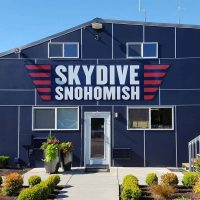 main blue building at skydive snohomish
